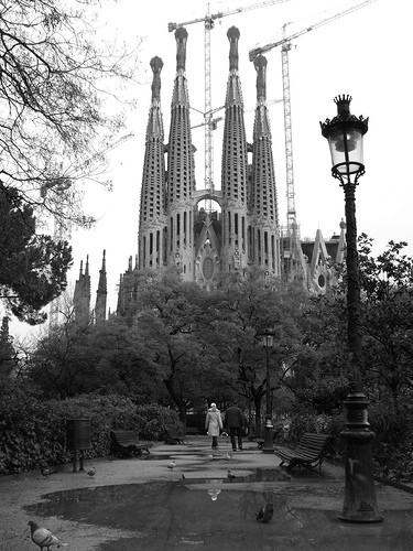 exterior Sagrada Familia by jonesor